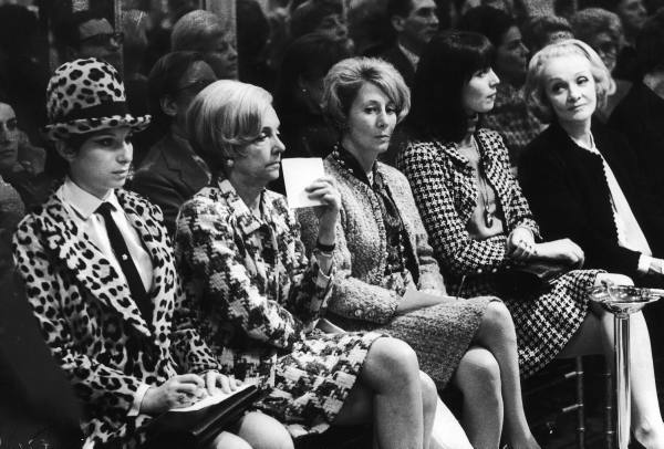 Front_row_Chanel_1966