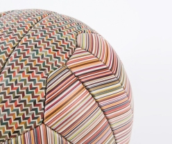 paul-smith-soccer-ball-designboom02